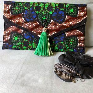 Handbags - 🆕🏆 3X HP🏆-AnKara Design Clutch